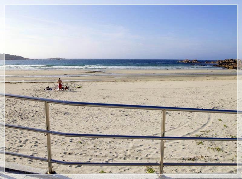 Playa principal enfrente