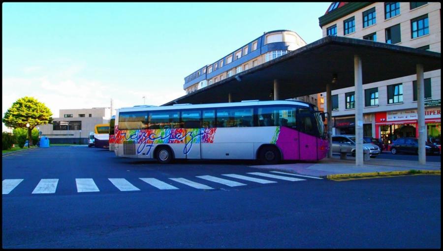 Estación de autobuses próxima