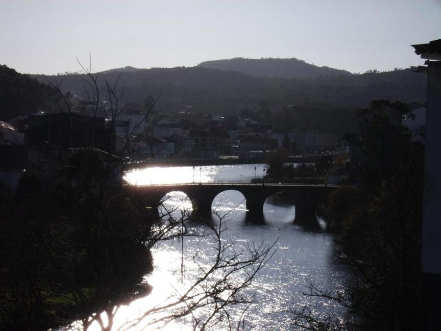 Vista del Puente - Río Grande - ponte do porto, Camariñas