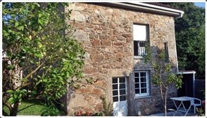 Casa Típica Gallega en Piedra con Jardín